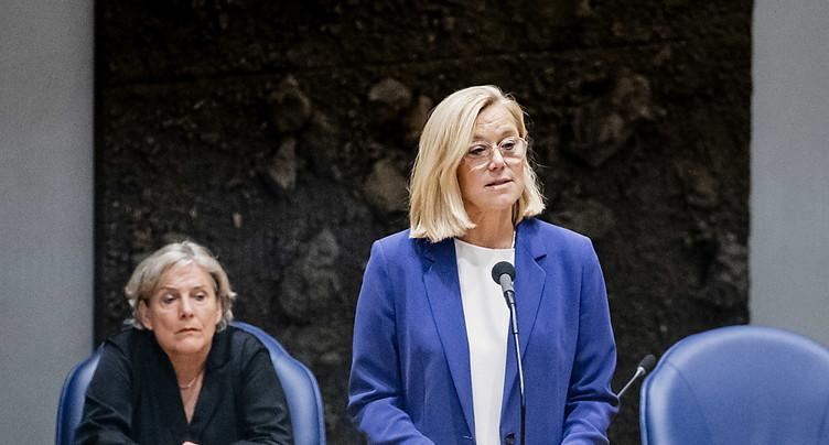 La ministre néerlandaise de la Défense démissionne à son tour