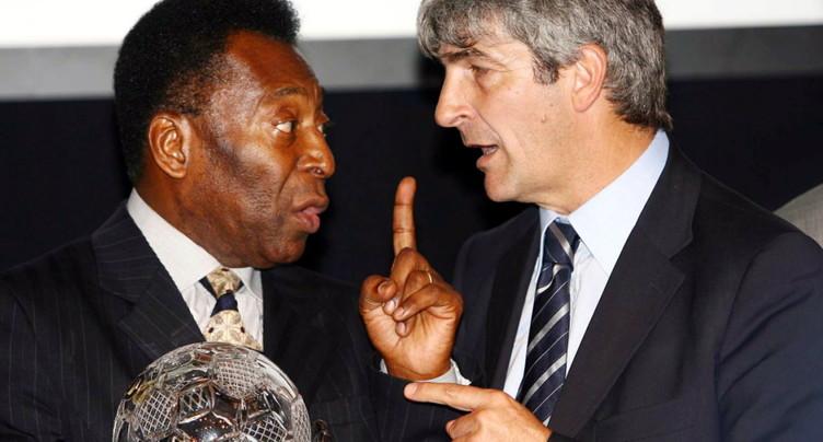 Bref retour de Pelé en soins intensifs