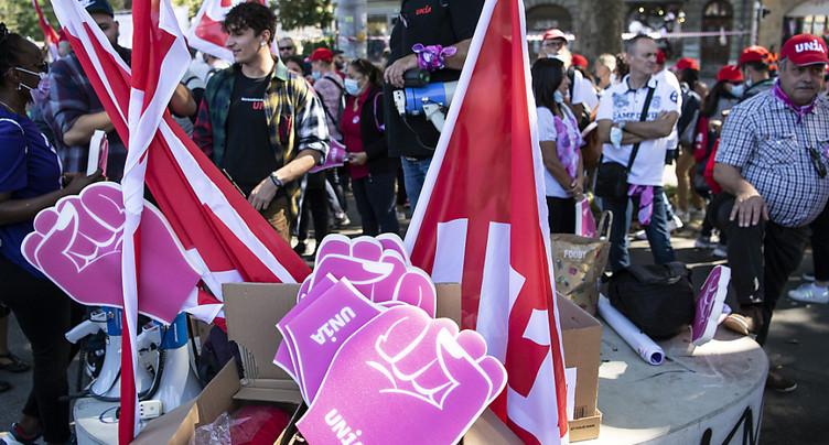 Réforme de l'AVS: les syndicats défilent à Berne