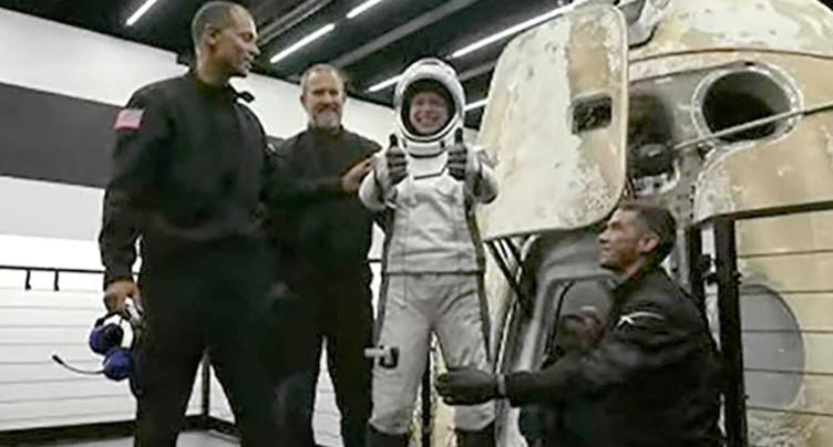Les quatre touristes spatiaux ont amerri au large de la Floride