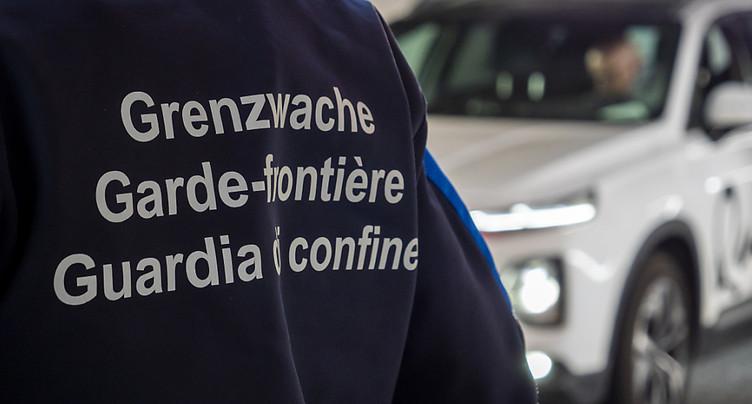 Tests aux frontières pour entrer en Suisse dès ce lundi