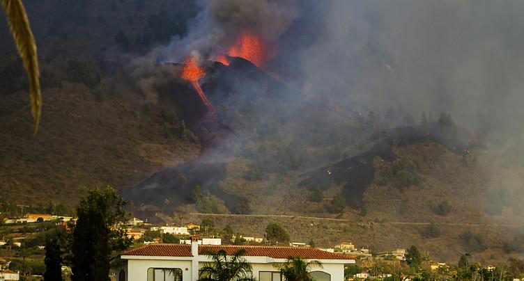 Eruption volcanique aux Canaries: habitations détruites