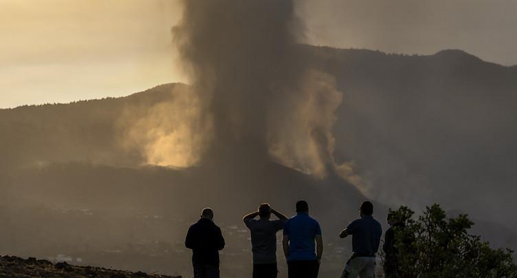 Eruption volcanique: des vols annulés pour la première fois