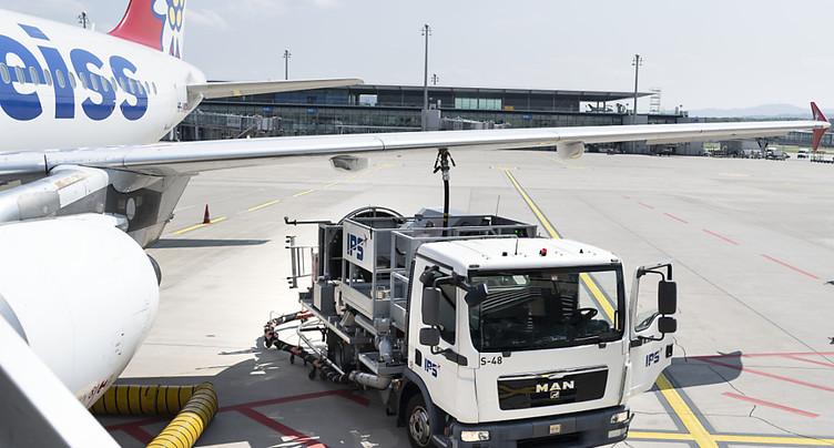 TotalEnergies et Safran misent sur le carburant d'aviation durable