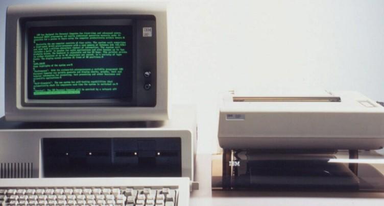 De la disquette à la carte mémoire: 50 ans de stockage de données