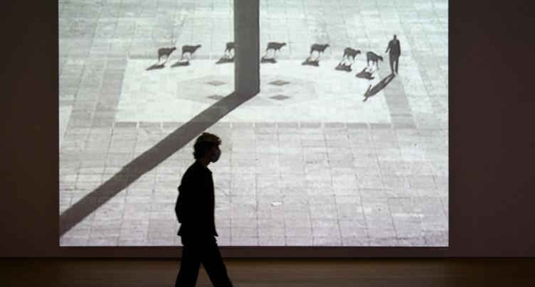 Les déambulations urbaines de Francis Alÿs au MCBA à Lausanne