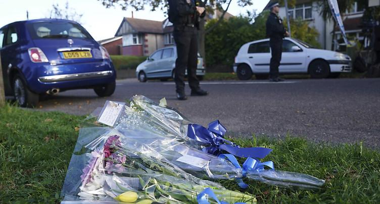 Le député britannique poignardé est mort