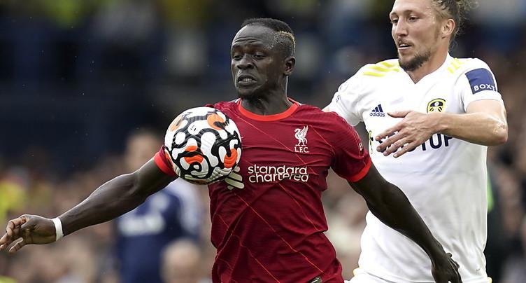 Liverpool et Firmino écrasent Watford et prennent les commandes