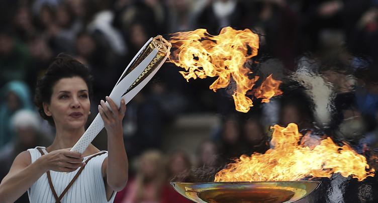 La flamme olympique de nouveau allumée sans spectateur
