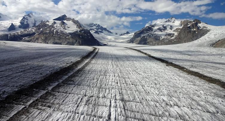 La fonte des glaciers se poursuit malgré une météo favorable