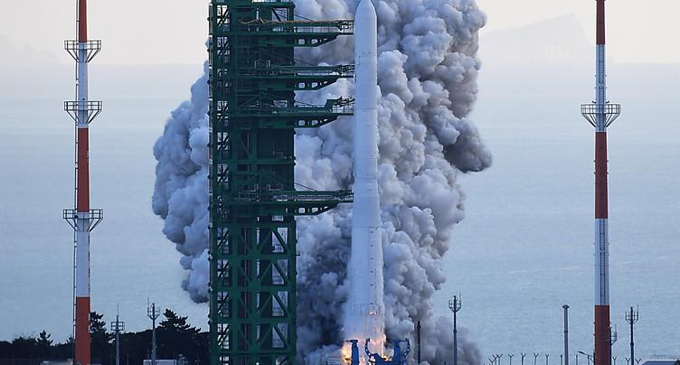 Demi-échec pour la première fusée spatiale fusée sud-coréenne