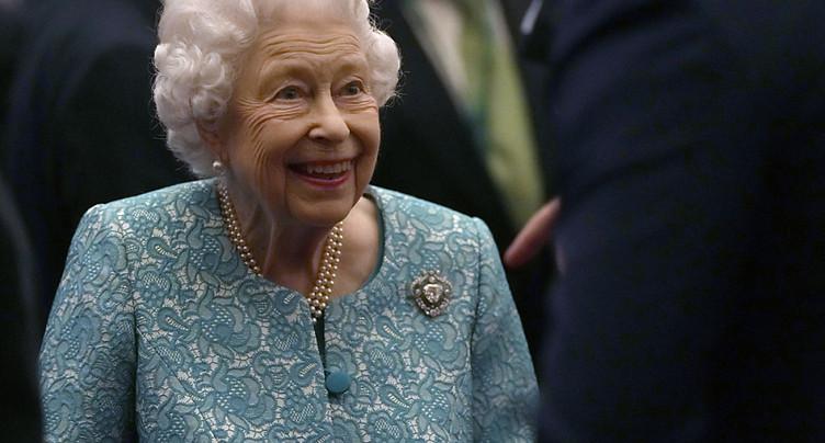 Interrogations sur la santé de la reine après une hospitalisation