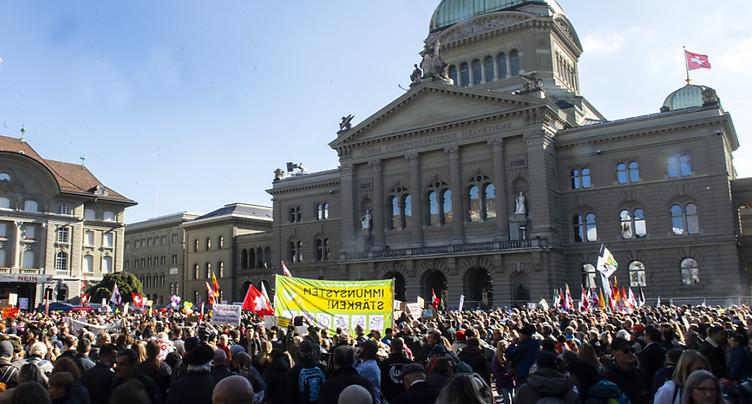 Les manifestants contre les mesures anti-Covid de retour à Berne