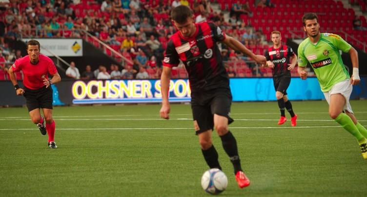 Neuchâtel Xamax FCS bat Servette et prend la tête du classement