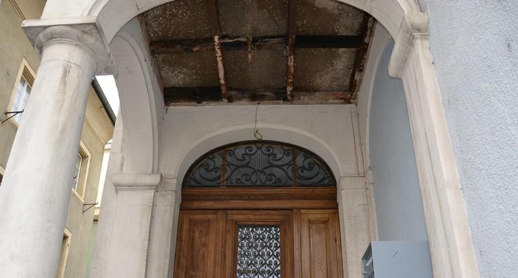 Le bâtiment du Contrôle n'a pas supporté les chars du Rai-tiai-tiai