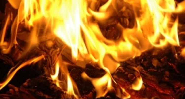 Remise endomagée par les flammes à Safnern