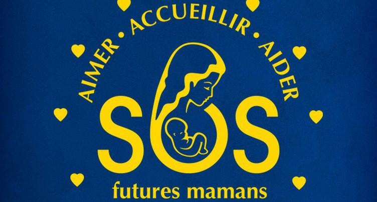 SOS Futures Mamans réduit son aide
