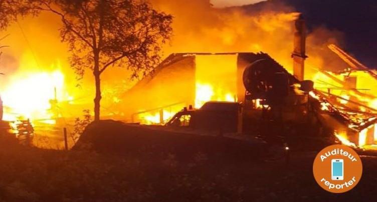 Ferme en feu à Péry-La Heutte