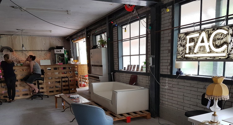 C'est parti pour six semaines de résidences artistiques dans les Fours-à-Chaux de St-Ursanne
