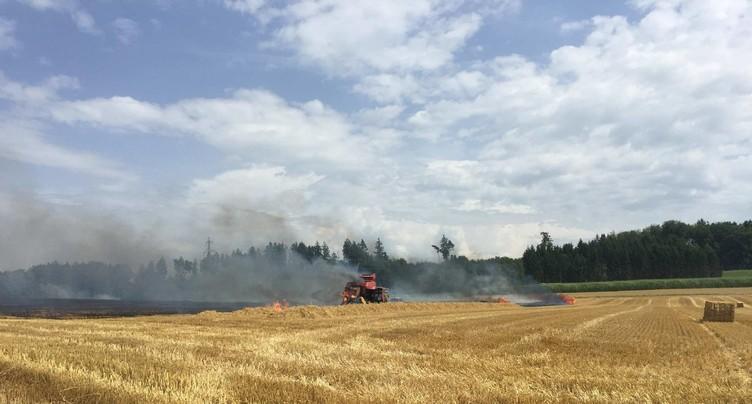 Des machines agricoles mettent le feu à des cultures dans la région de Morat