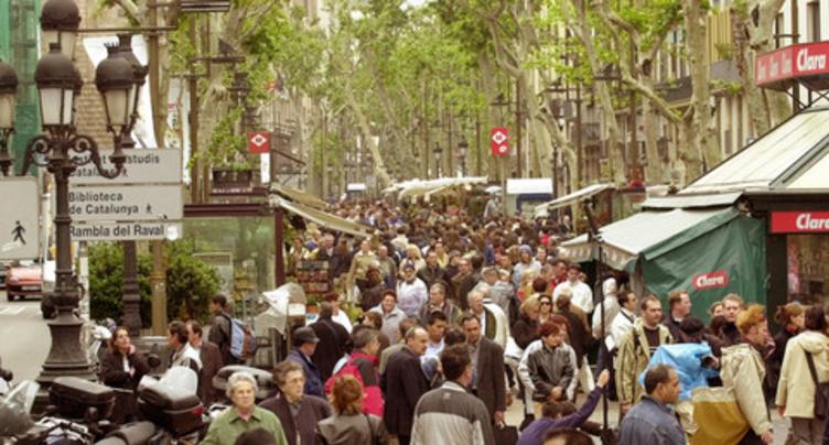 Treize morts et plus de 50 blessés à Barcelone