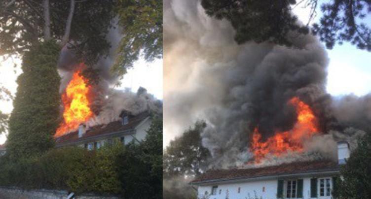 Incendie impressionnant en cours à Macolin