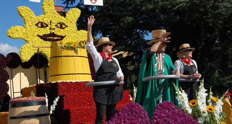 Des chars, des fleurs et du soleil