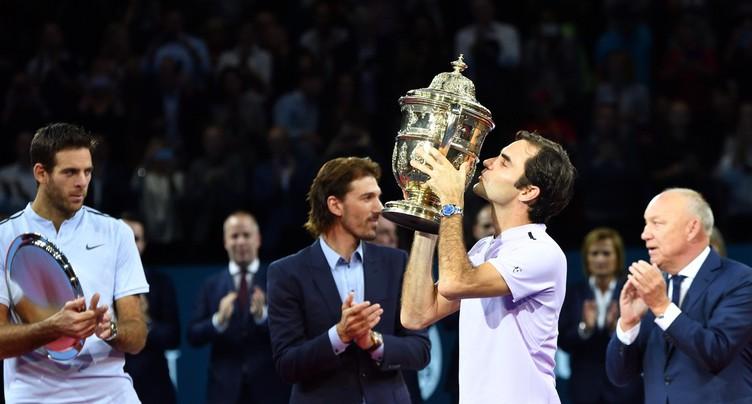 Roger Federer s'offre un 8e sacre aux Swiss Indoors