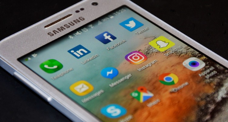 Rumeurs sur les réseaux sociaux : appel à la retenue