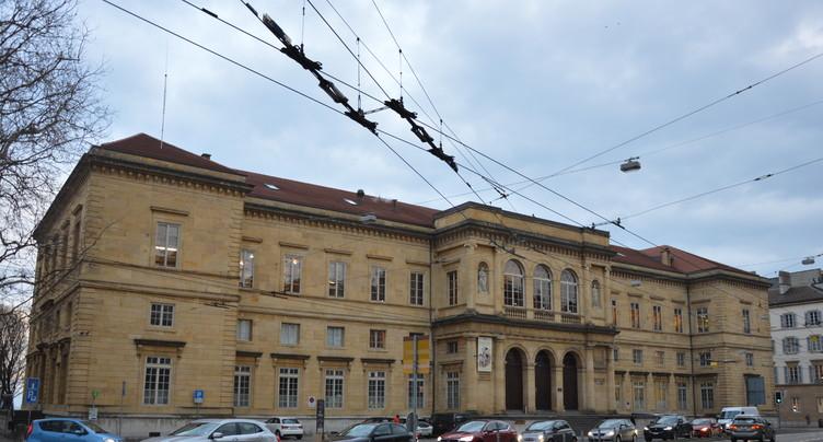 La Bibliothèque publique et universitaire réduit la voilure