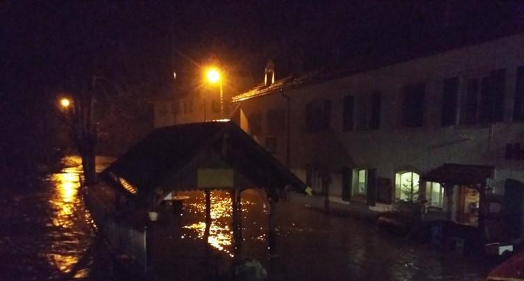 Inondations et routes coupées dans le Jura