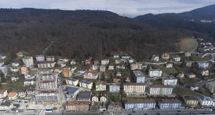 Neuchâtel étoffe son offre de places en zone bleue