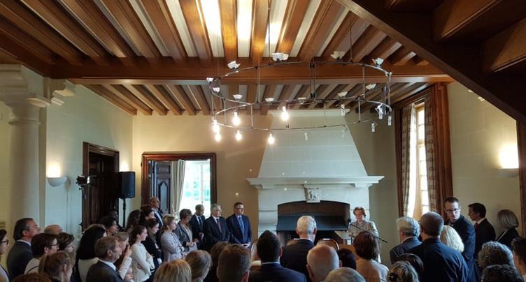 Les clés du domaine de Mont-Renaud remises à la fondation Les Castors