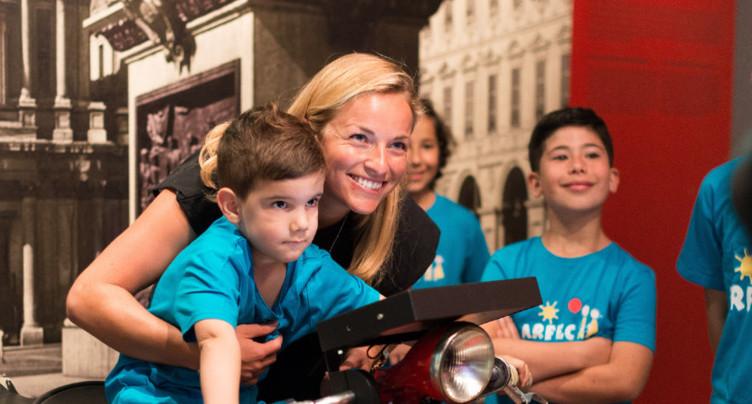 Camille Bloch : visite de Lara Gut avec des enfants malades