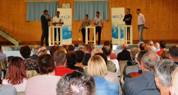 Le débat RFJ sur la votation de la patinoire