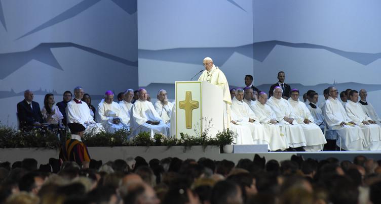 Le pape François attire la foule… et les Jurassiens