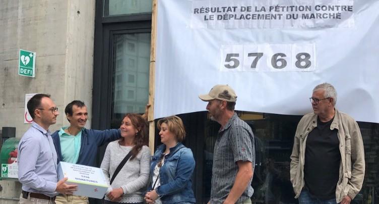 Plus de 5700 signatures contre le déplacement du marché de La Chaux-de-Fonds