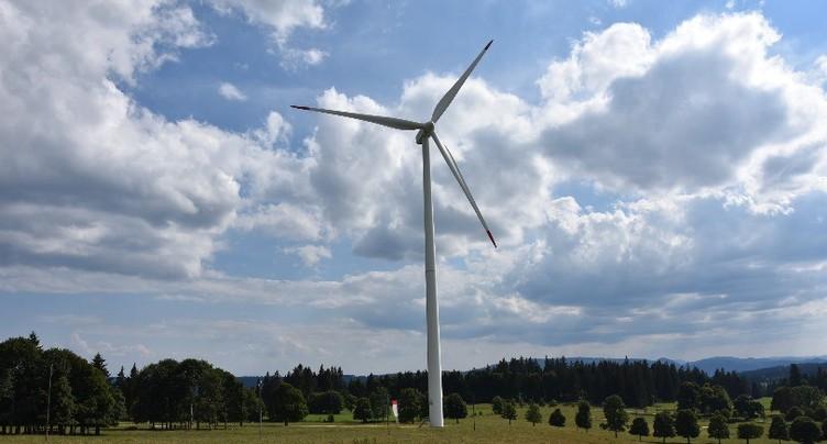 Les éoliennes de Mont-Soleil vandalisées