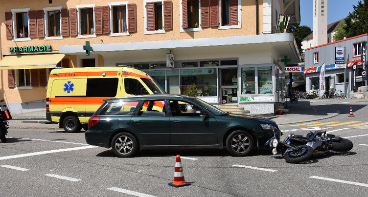 Moto contre voiture à Tavannes