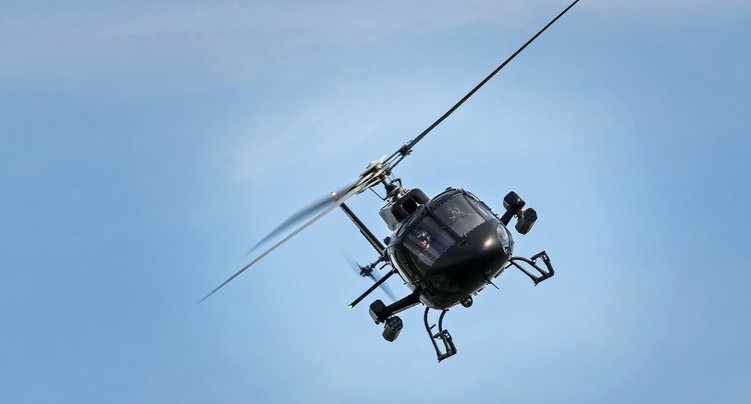 Un hélicoptère de la police en exercice au-dessus de Porrentruy