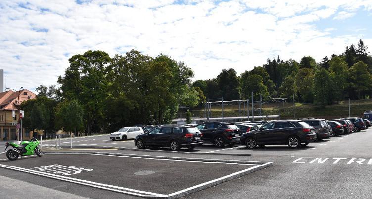 La Chaux-de-Fonds reporte sa politique de stationnement