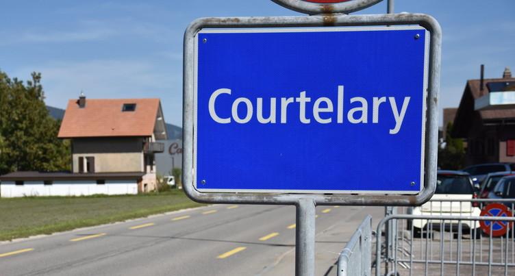 La population de Courtelary suit ses autorités