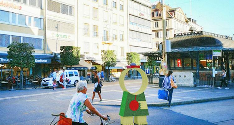 Des statues en forme d'horloge pour les 40 ans de la zone piétonne