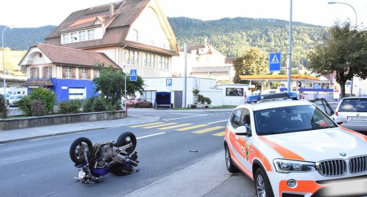 Accident entre une moto et une voiture à Tavannes