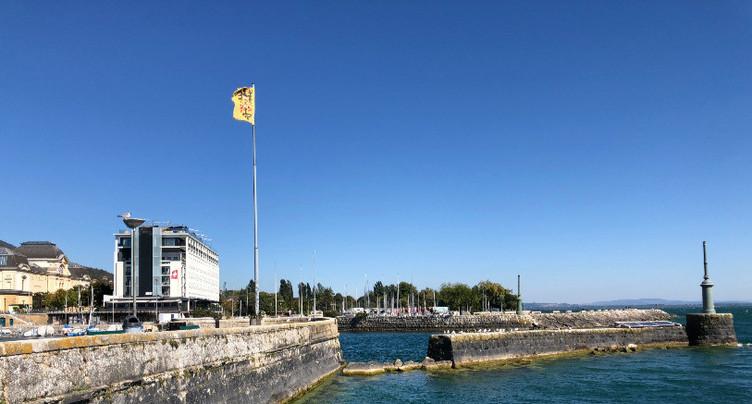 Une partie du port de Neuchâtel est en ruine