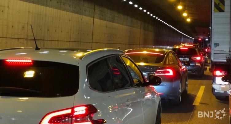 Gros embouteillage dans les tunnels sous Neuchâtel