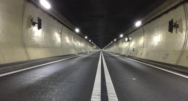 Collision en chaîne dans le tunnel du Mont-Terri