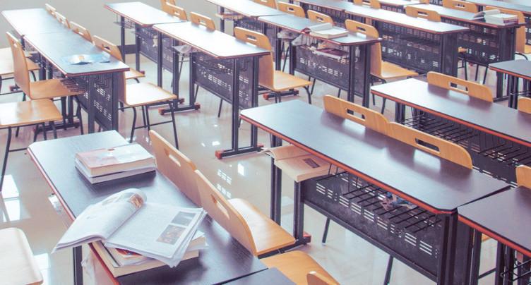 Enseignant licencié pour des soupçons d'actes d'ordre sexuel