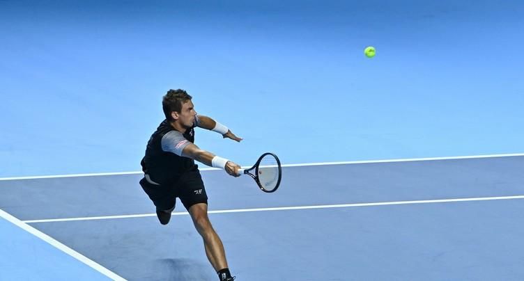 Henri Laaksonen laminé par Novak Djokovic