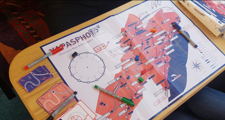 Yapasphoto : le jeu de plateau pour (re)découvrir le canton de Neuchâtel